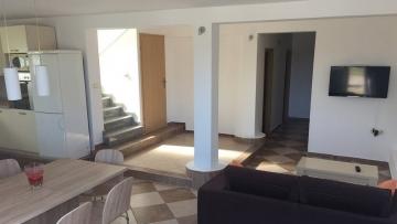 Dvosobni apartman na prodaju u Funtani