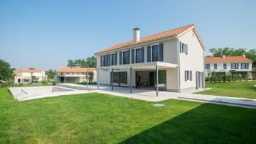 Nova vila u okolici Vižinade